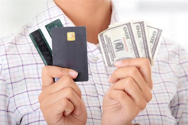 снять деньги с дебетовой карты